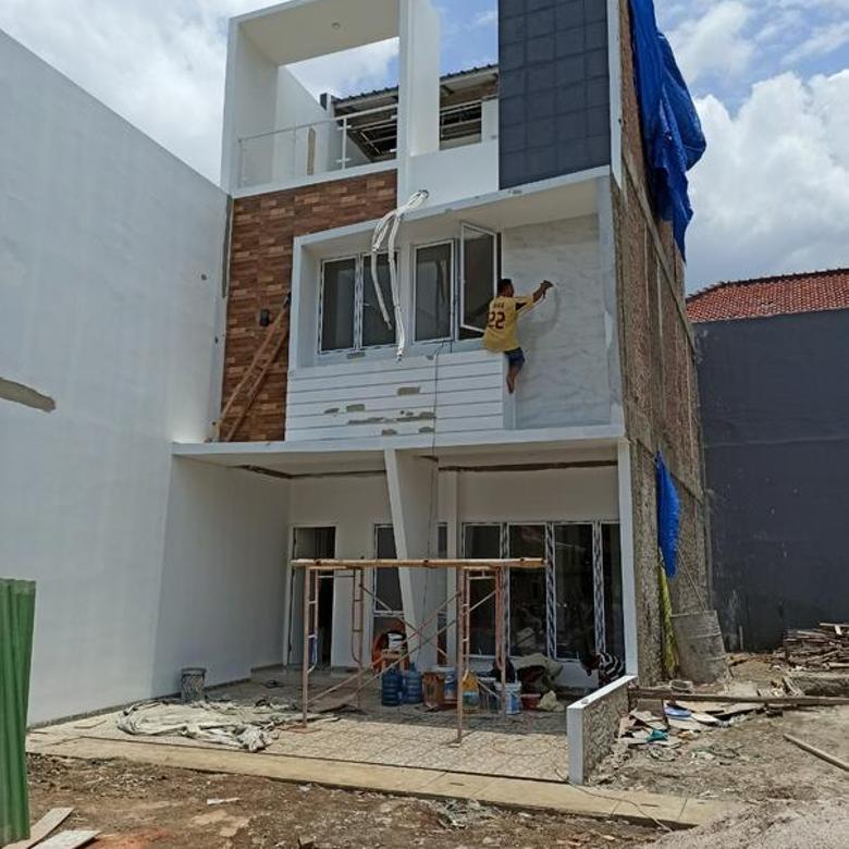 Cluster Mewah 3 lantai Harga Murah Bonus Water Heater IPL instalasi AC 3 unit Bebas Banjir Area Rawangun