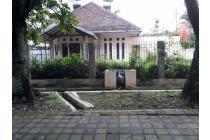 Jual Rumah Sayap Riau Bandung. Cocok untuk resto, usaha, kantor, & tinggal