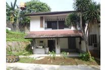 Rumah siap huni dengan halaman  yang luas