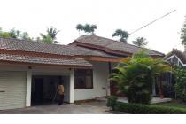 Rumah dijual di Komplek Margasatwa Jakarta Selatan. Harga Murah.