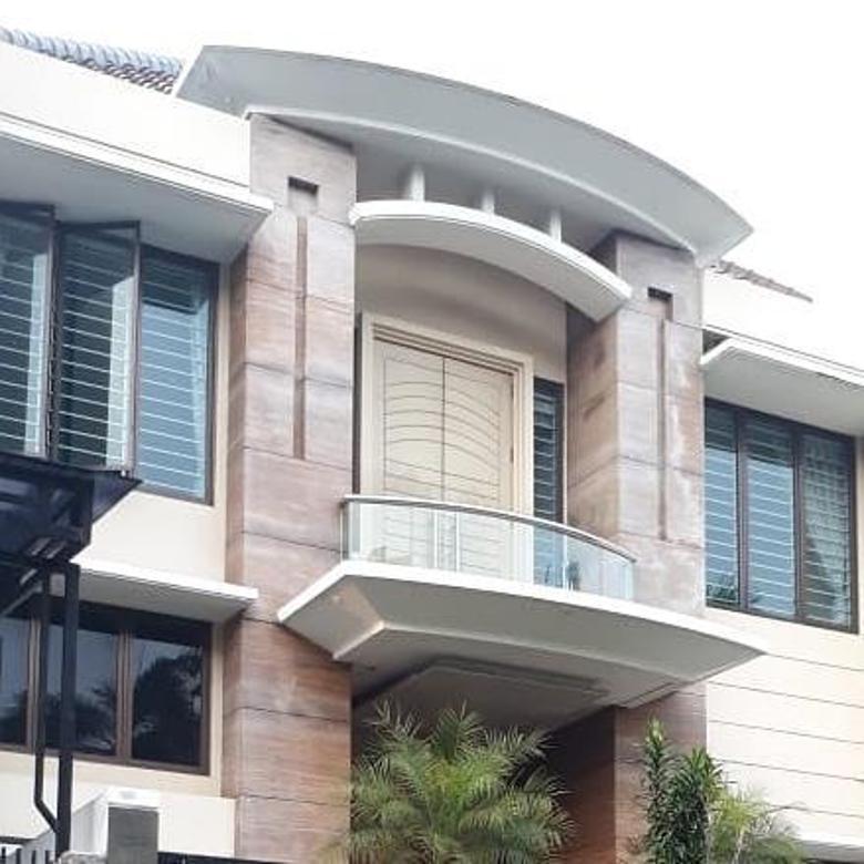 Rumah Modern lingkungan eksklusif