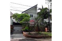 Rumah Bagus Di Jl. Daha - Kebayoran Baru