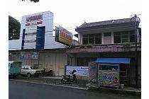 Jual Ruko luas Eks showroom lokasi tengah kota