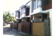 Rumah 2 lantai full furnished di Tukad Badung, Renon