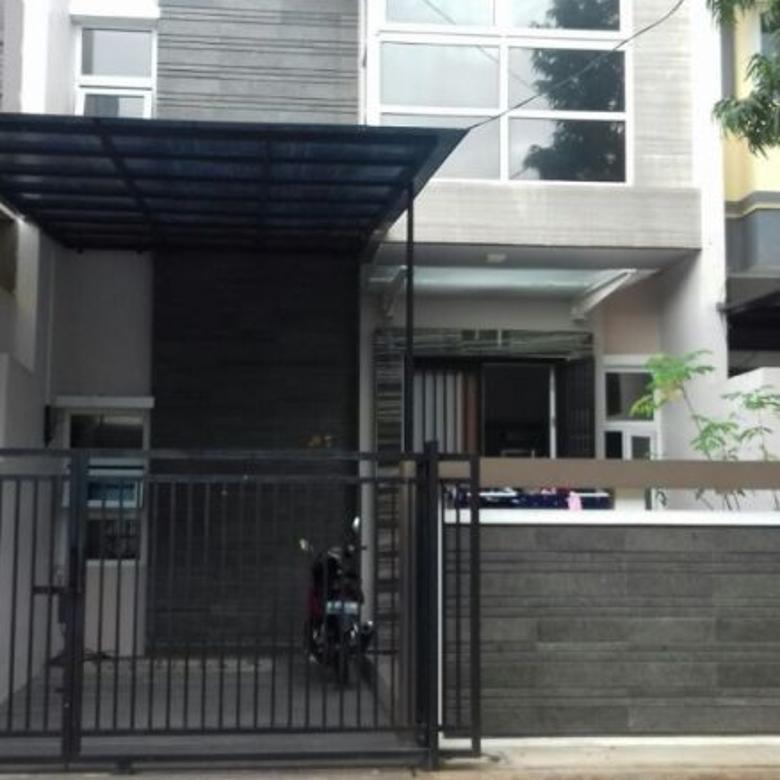 Rumah full renovasi di Taman Ubud, Daan Mogot Baru, Kalideres, Jakarta Bara
