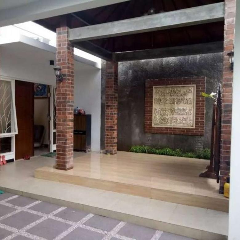 Dijual Rumah Second Siap Huni di Tenggilis Utara
