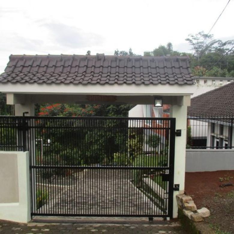 Villa mewah Bandung dijual dekat dengan Puncak Bintang