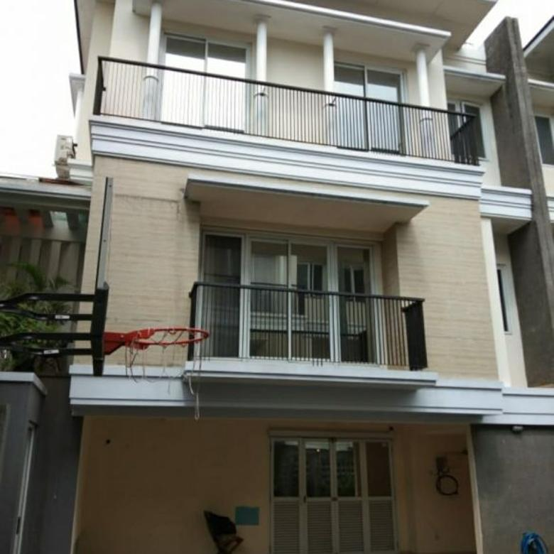 For Sale / Rent Modern Minimalist Townhouse at Pejaten
