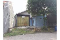 Gudang dan Rumah Tinggal Dekat Jalan Raya Timur RS Hermina di Maguwoharjo