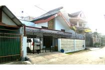 Rumah bagus dan kokoh terawat di tengah kota malang