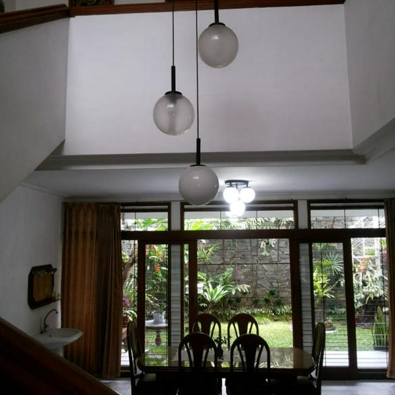 Rumah Klasik Cantik Siap Huni Komplek Elite Kota Bandung