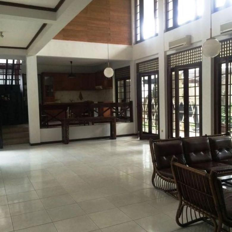 Dijual Rumah Asri Strategis Di Lebak Bulus Jakarta Selatan