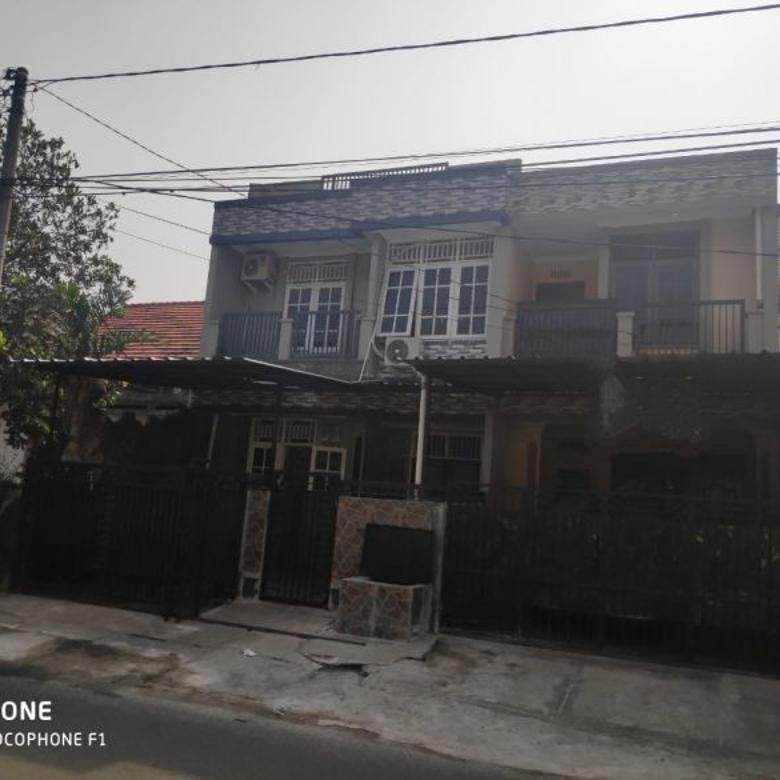 Dijual Rumah Terawat Strategis di Taman Asri, Tangerang