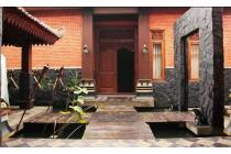 Rumah Mewah Full Furnished Dengan Desain Etnik Jawa Modern