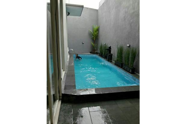 villa kolam renang di batu 17825891