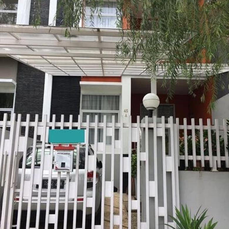 Dijual Rumah Baru dan Hadap Taman Dalam komplek Mega cinere