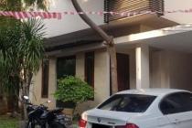 Rumah di Kebayoran Baru, Siap Huni, 3 KT, Semi Furnished, SHM, LT 203 m2