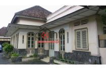 Rumah Kolonial Design Mewah Tengah Kota Solo