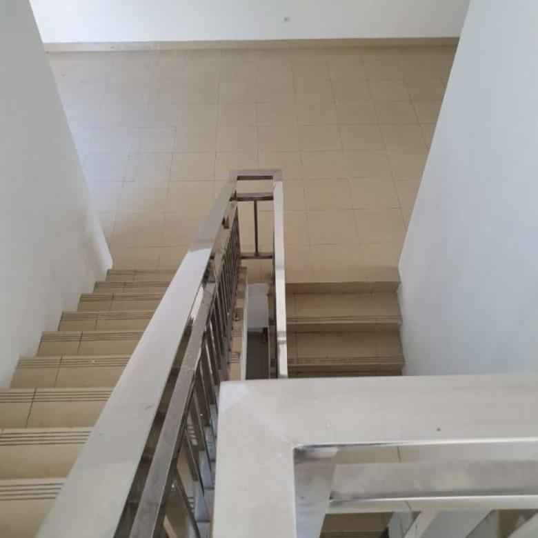 Rumah terawat 2 lantai di Kebayoran Height sektor 7 GB 2167