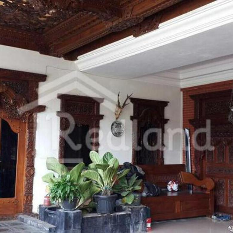 Rumah Full Gebyok di Jl. Nangka, Lamper Kidul, Semarang.(0557)