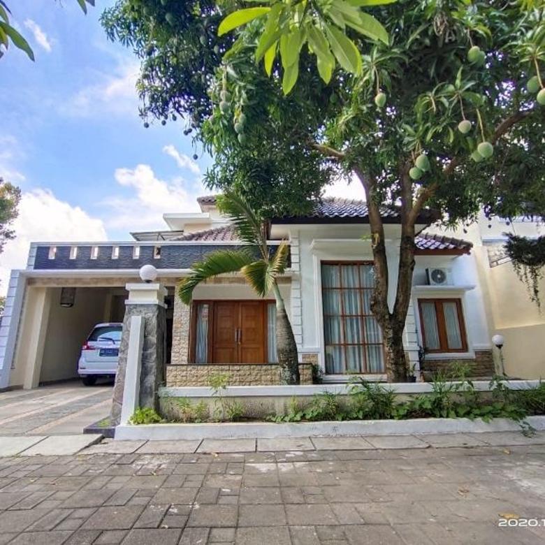 Rumah Modern Mewah Siap Huni Dalam Perumahan Elite Dekat JCM
