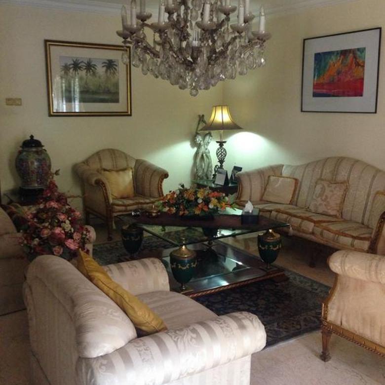 Rumah siap huni di Pondok Indah