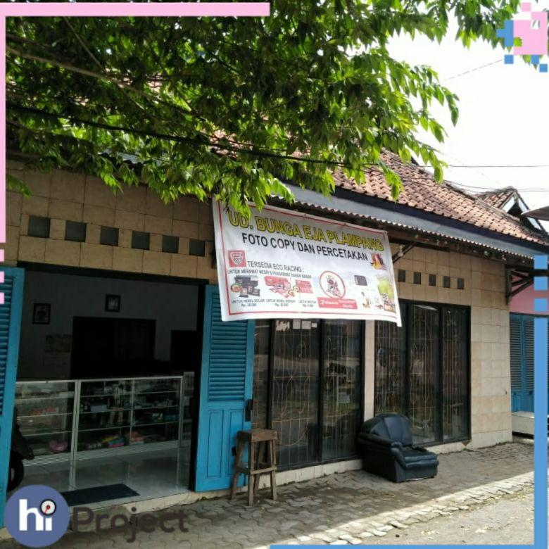 Toko pinggir jalan di Plampang Sumbawa Ru26