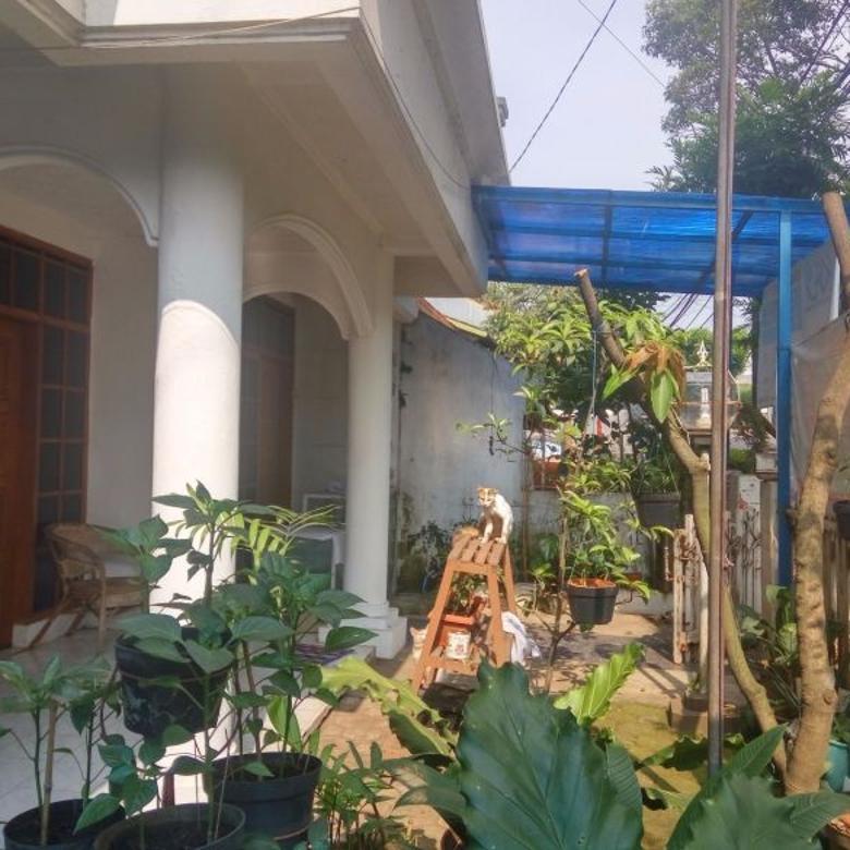Rumah 2 lantai komplek Dosen Cigadung Sayap Dago Hitung Tanah saja
