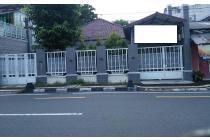 Rumah dalam pusat kota dekat kampus dan pusat bisnis