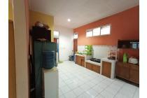 Rumah asri di desa cibodas Maribaya Bandung