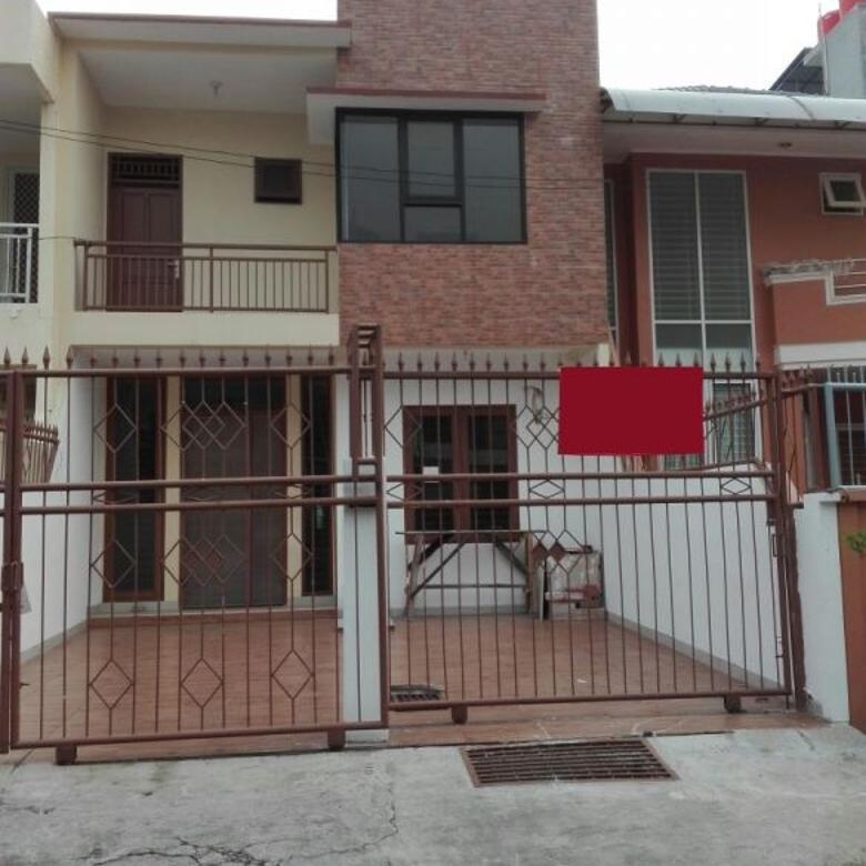 Dijual Rumah Grisenda Jakarta Utara uk 6x20 4+1 Semi Furnished