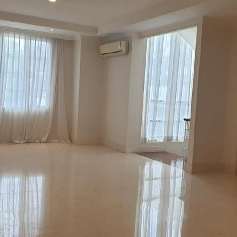 Rumah di Kemang, Jakarta Selatan ~ Dalam Townhouse ~ Security 24jam