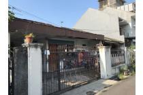 Rumah Dijual di taman Meruya Ilir, Lokasi Strategis