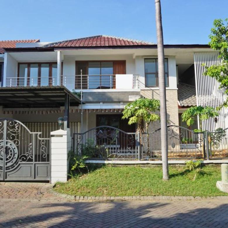 Dijual Rumah Second 2 Lantai di Graha Famili Surabaya