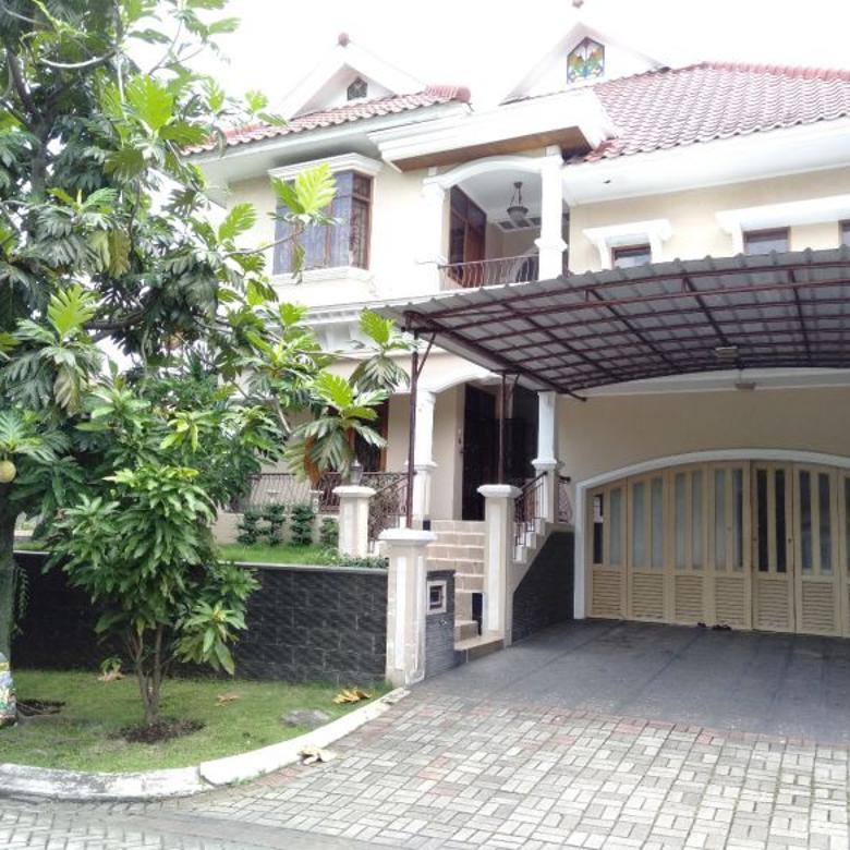 Rumah Elegan Nyaman dan Asri di Kotabaru Parahyangan