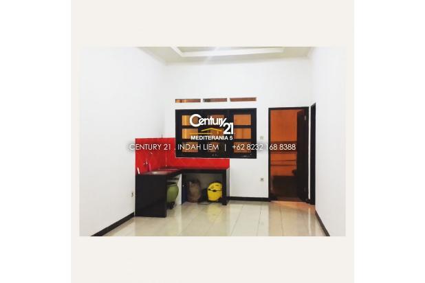 Disewakan rumah di Nata Endah Bandung. Sudah termasuk lemari kasur dan kitchen set. More info: 0823 2168 8388 17994939