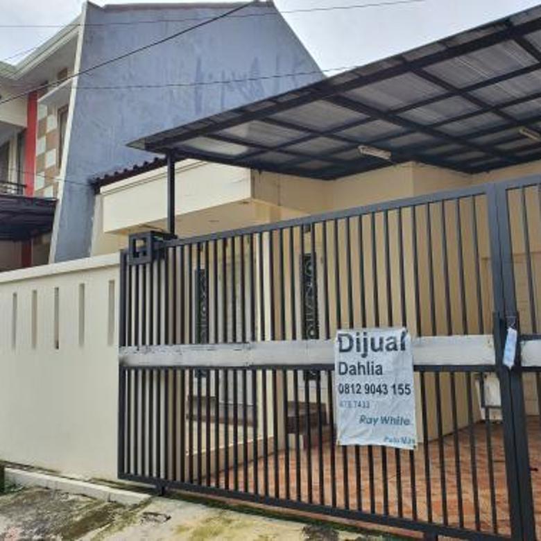 Rumah Lama Siap Huni dekat Terminal di Rawamangun Jakarta