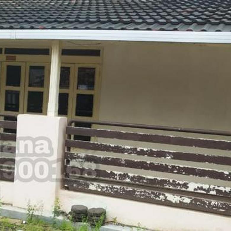 Rumah Bangunan lama di Perumahan Tanahmas, Semarang