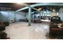 Disewakan Rumah Tua Cocok Untuk Gudang di Raya Barat Amir Machmud Cimahi