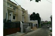 dijual rumah mewah 3 lantai di pejaten timur Jakarta selatan
