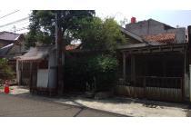 Dijual Rumah Lama Hitung Tanah di area Blok M, Kebayoran Baru. Good Deal, T
