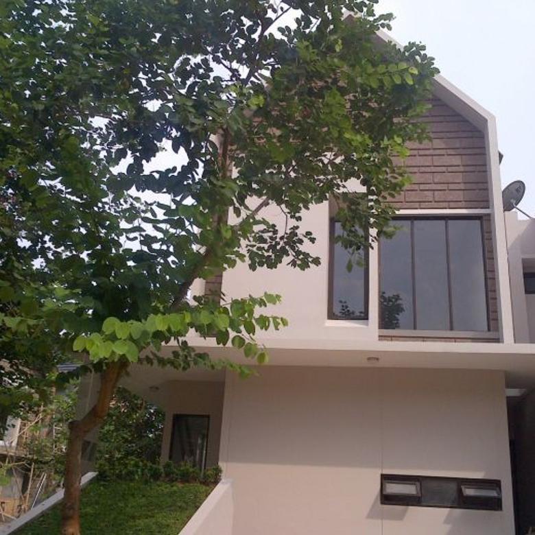 Rumah UNIK Di Komplek Besar Carport 2 mobil Dkt Jalan Raya