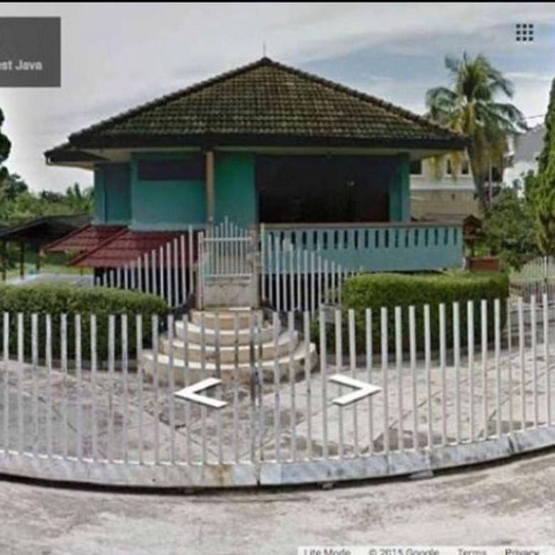 Dijual rumah dengan luas tanah 4749 luas bangunan 300 M P0147