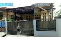 Rumah model semi cluster, super strategis, Dekat jalan raya Pondok gede