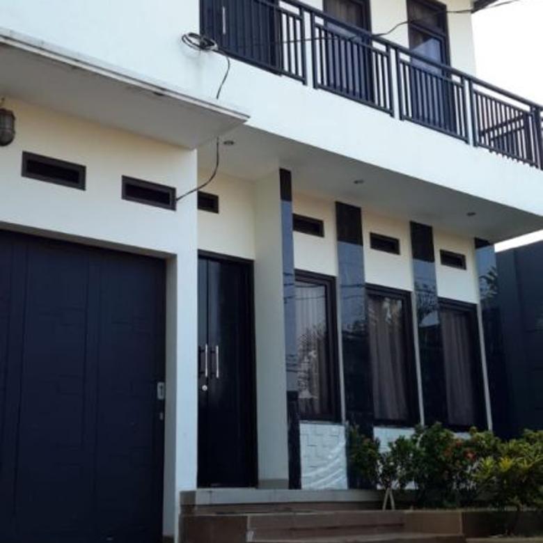 Rumah 2 Lantai Pinggir Jalan di Setu Cipayung Jakarta Timur