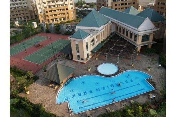 kolam renang dan fasilitas olah raga laennya seperti tenis court, gym centre 7284912