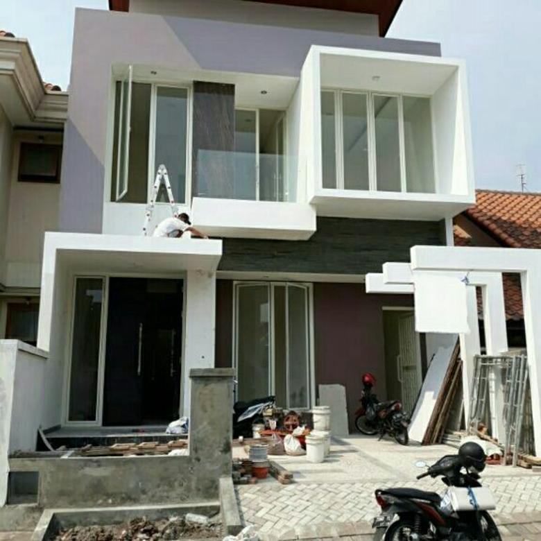 Rmh 2 lt minimalis baru 100 harga di bwh 3 M lokasi citra land sby