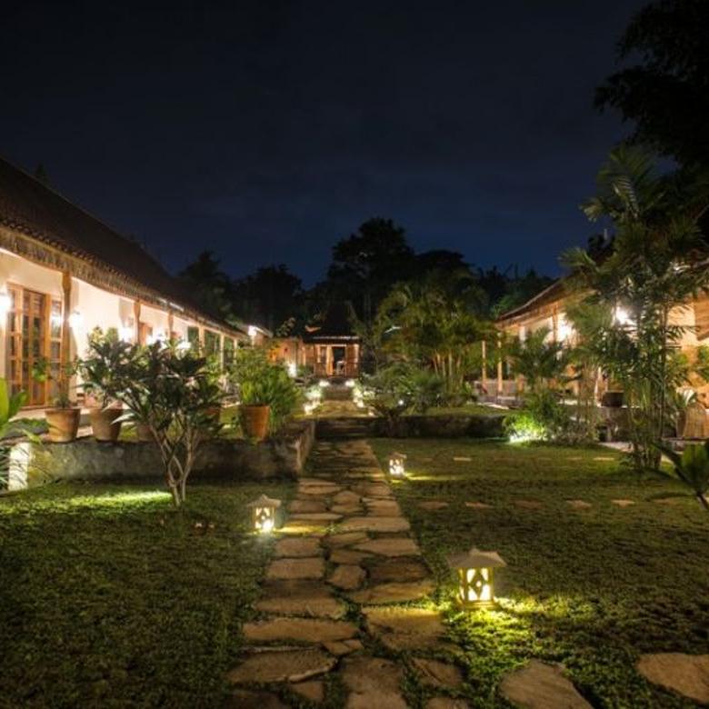 Rumah Mewah Luas 2086 m Dengan Kolam renang  di Yogyakarta