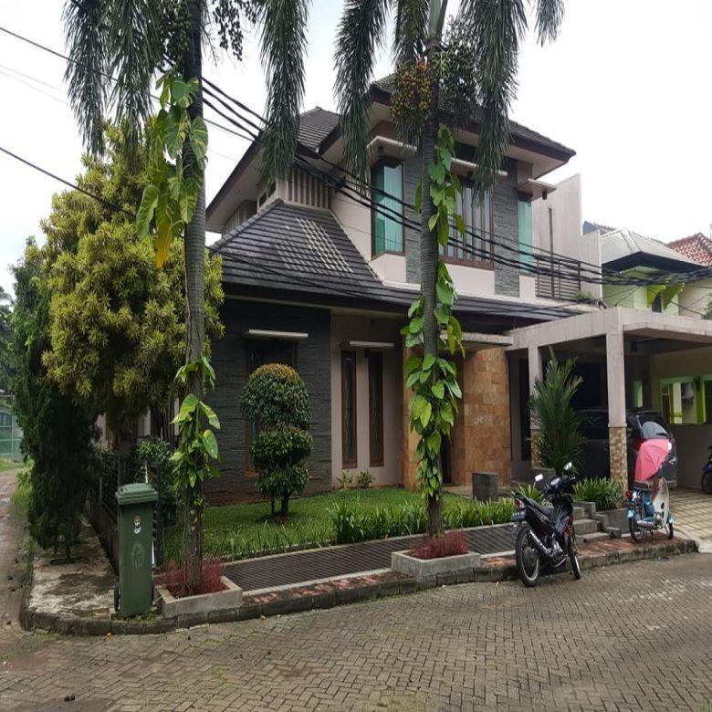 Rumah Asri dan Luas dalam Komplek, Cimanggis, Harjamukti