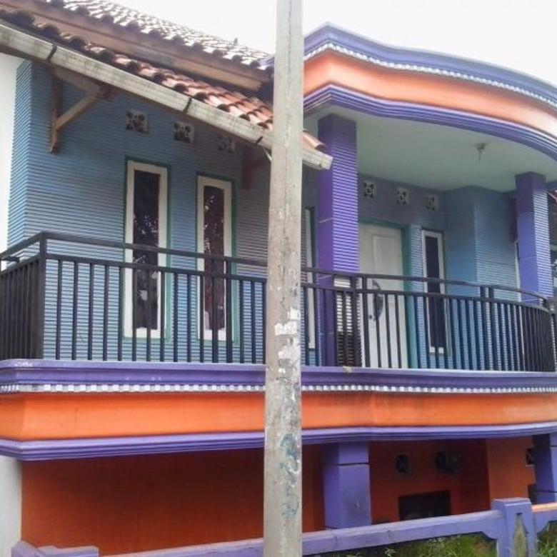 rumah dua lantai